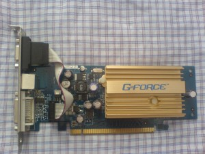 Nvidia GeForce 6200 256 MB ekran kartı ön görünüm