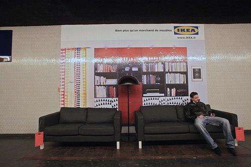 Paris metrosunda IKEA 10