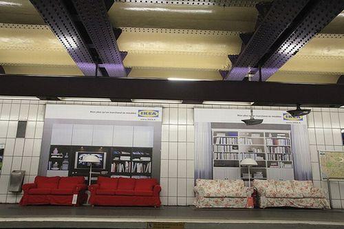 Paris metrosunda IKEA 4