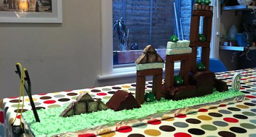 Angry Birds pastası.