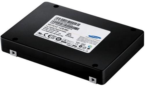 Samsung NVMe 3000MB/s okuma hızlı SSD.