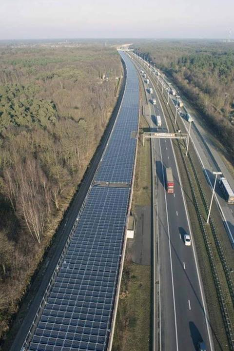 Güneş enerjili demiryolu
