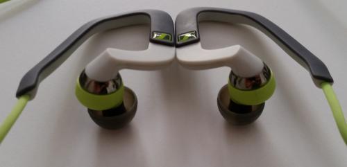 Sennheiser OCX686i Sports kulaklık kancaları ve sürücüler.